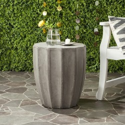 Safavieh Jaslyn Indoor/Outdoor Modern Concrete Round 17.7-inch H Accent Table - Dark Grey (VNN1010A)